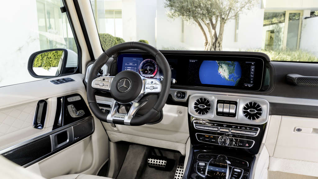 Das Interieur der Mercedes G-Klasse strahlt Business-Class-Feeling aus.