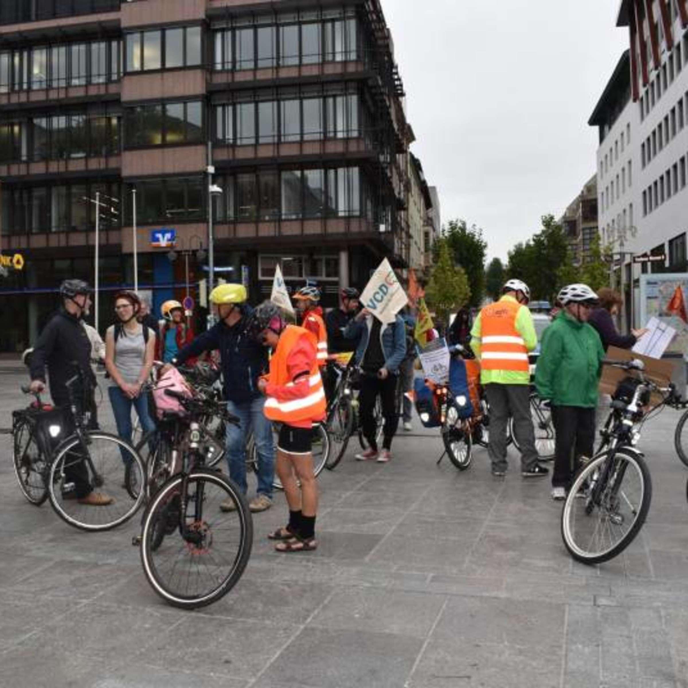 Bildergalerie 25 Fuldaer Fahren Aus Protest Mit Dem Rad Zur Iaa Fulda