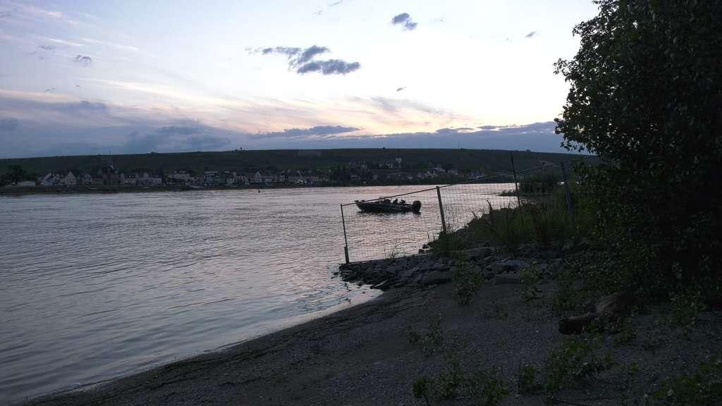 Mutter Und Kind Im Rhein Ertrunken