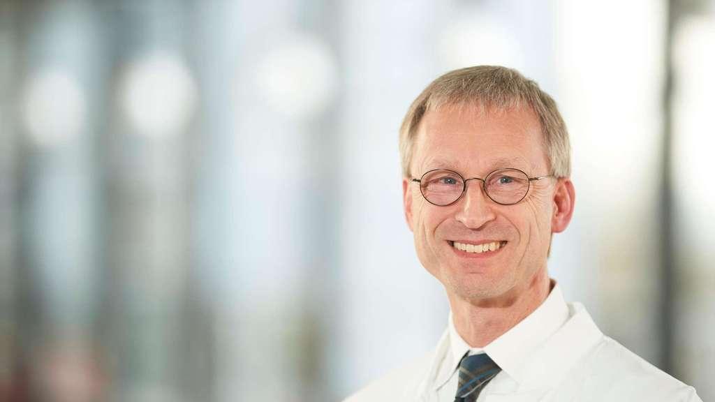 Prof. Dr. Peter M. Kern ist Immunologe und Direktor der Medizinischen Klinik IV am Klinikum Fulda.